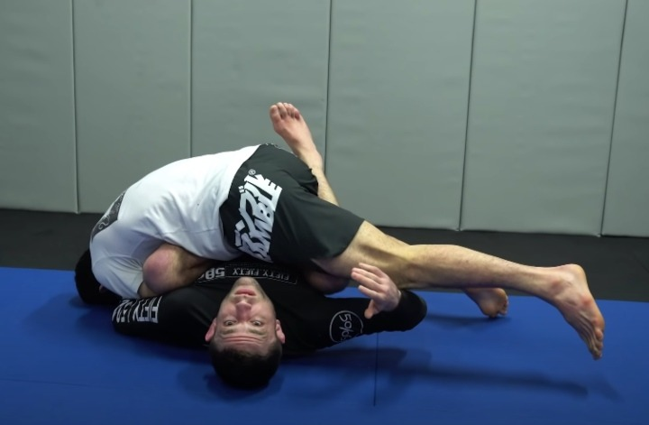 Shaolin Sweep From half guard Cover
