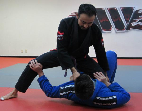 kneeee 1024x1024 - Making Sense Of The Most Important Jiu-Jitsu Positions