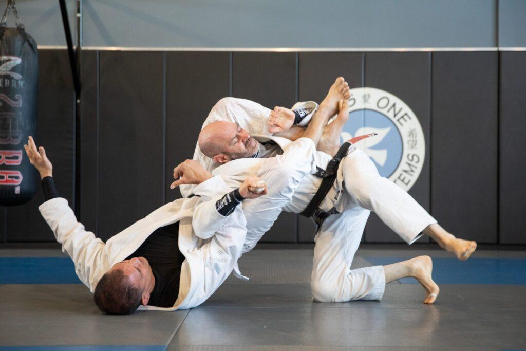 marcus aurelio darin reisler rolling brazilian jiu jitsu plus one defense systems west hartford ct 1024x683 - Just Roll BJJ Mentality: Is Rolling Always A Good Idea?