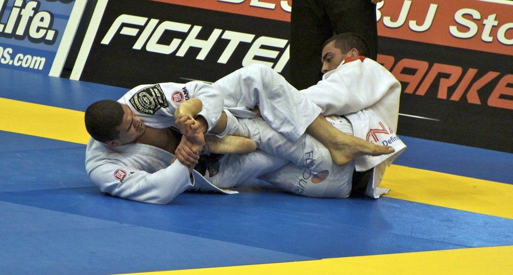 bjjtoehold 1024x1024 - Advanced Jiu-Jitsu: Strong Foot Lock From The Omoplata